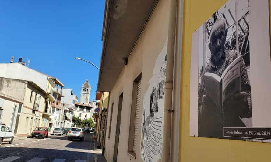 A photograph of Vittorio Palmas displayed in Perdasdefogu.