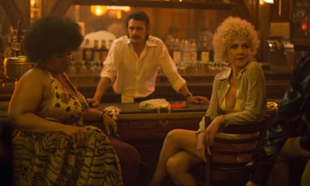 Pernell Walker, James Franco and Maggie Gyllenhaal in the first episode of David Simon's The Deuce.