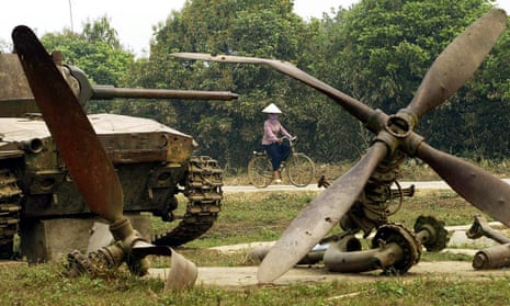 A destroyed French tank and an aircraft propeller that are still kept as war relics in the Dien Bien Phu valley.