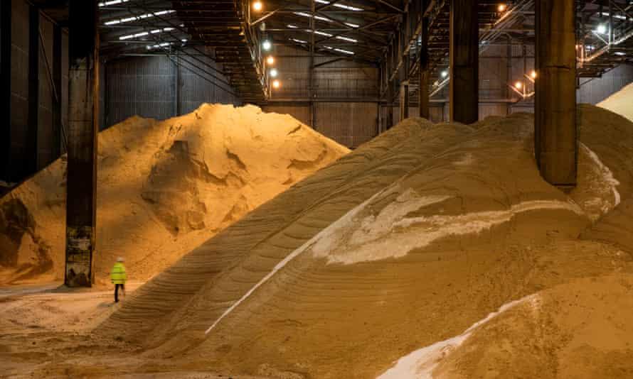 Raw sugar storage shed at Tate & Lyle sugar refinery
