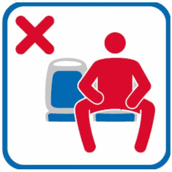 An anti-manspreading sign on the Madrid public transport network.