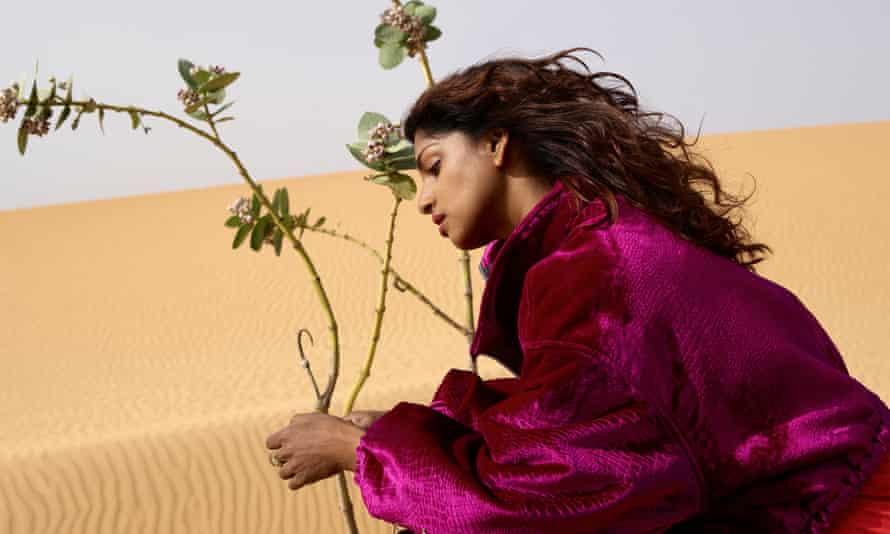 MIA wears purple in the desert