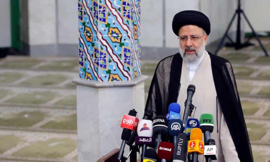 المرشح الرئاسي الإيراني إبراهيم رئيسي.