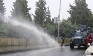 Turkish police firing teargas at Bölek's funeral.
