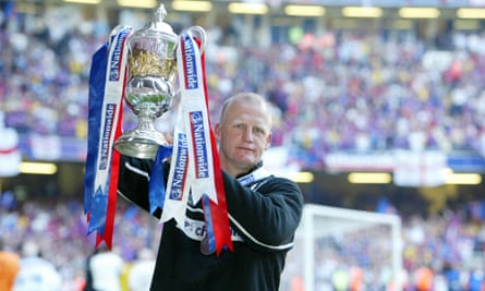 Iain 'bouncebackability' Dowie celebrates after winning promotion to the Premier League in 2004.