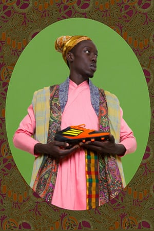 Ikhlas KhanIn Project Diaspora, a series of self-portraits based on historical honorific paintings, Diop plays the role of African railway workers, Jamaican maroons, American Black Panthers … and this 17th C Abyssinian slave, Ikhlas Khan, who went on to become Prime Minister of the Bijapur Sultanate.