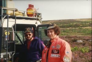 Charlie Higson and Paul Whitehouse as Simon Bush and Lyndsay Mottram in the OffRoaders sketch from The Fast Show