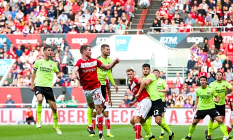 Marley Watkins' header sinks Sheffield United to keep Bristol City flying high