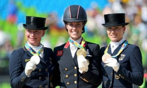 Britain s charlotte dujardin wins gold medal in olympic for Dujardin 007