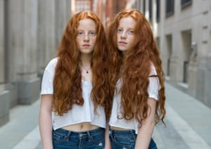 Sophie and Emily, twins photographed by Peter Zelewski