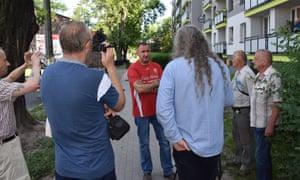 Jerzy Tyc in Dąbrowa Górnicza, debating with anti-communist locas.