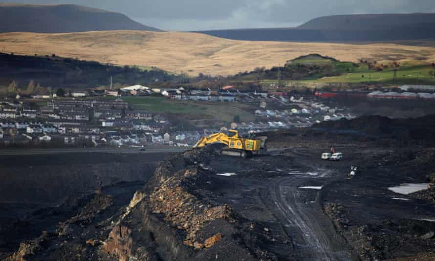 The Ffos-y-fran opencast mine, near Merthyr Tydfil in south Wales, is about halfway through extracting 11m tonnes of coal.