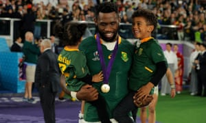 South African captain Siya Kolisi with his children after the end of the match.