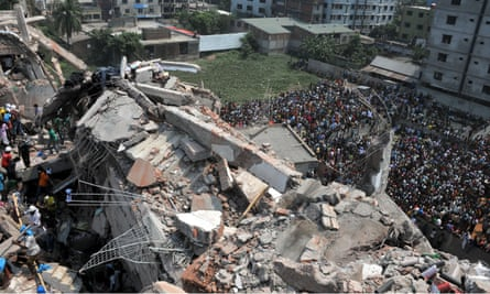 Rescuers work at the collapsed Rana Plaza building in Dhaka in 2013.