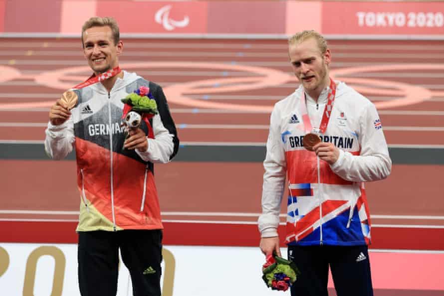 Johannes Floors and Jonnie Peacock shared the same step of the podium.