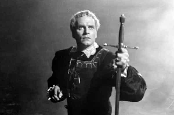 Laurence Olivier in Hamlet.