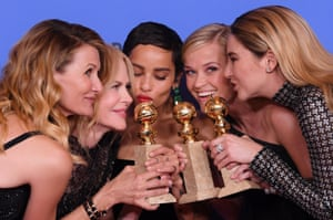 With the cast of Big Little Lies at the Golden Globes, January 2018 (l-r): Laura Dern, Kidman, Zoë Kravitz, Reese Witherspoon, Shailene Woodley.