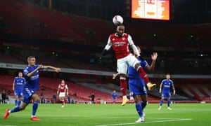 Alexandre Lacazette of Arsenal scores a goal ...