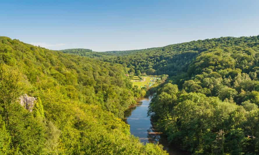 Panoramic view across the picturesque Wye Valley between England and Wales.