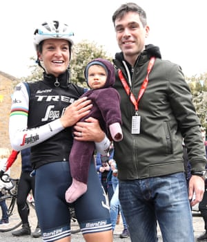 Lizzie Deignan (left) with husband Philip and daughter Orla during stage one of the 2019 Women's Tour de Yorkshire.
