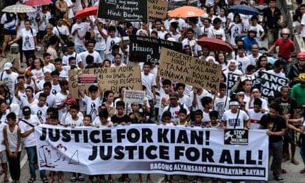 A demonstration during the funeral procession of Kian Loyd delos Santos