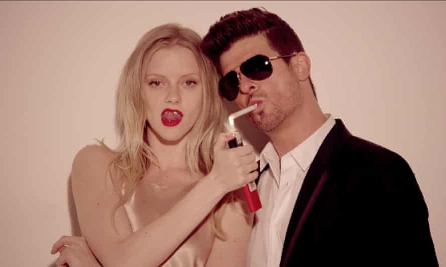 Robin Thicke - Blurred Lines video