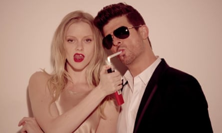 Robin Thicke in the video for Blurred Lines.