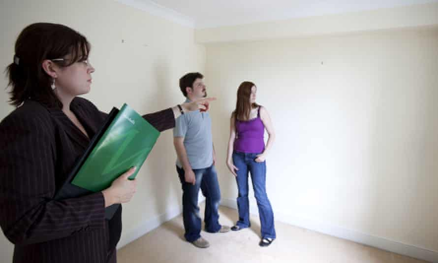 Estate agent and prospective buyers
