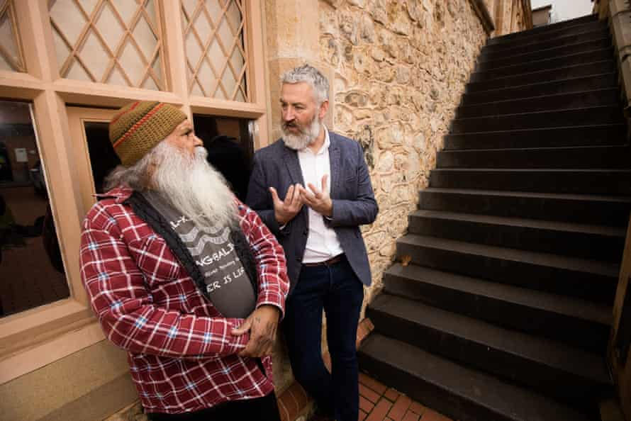 Director of the South Australian Museum, John Carty talking with Ngarrindjeri man Major Sumner (Moogy).