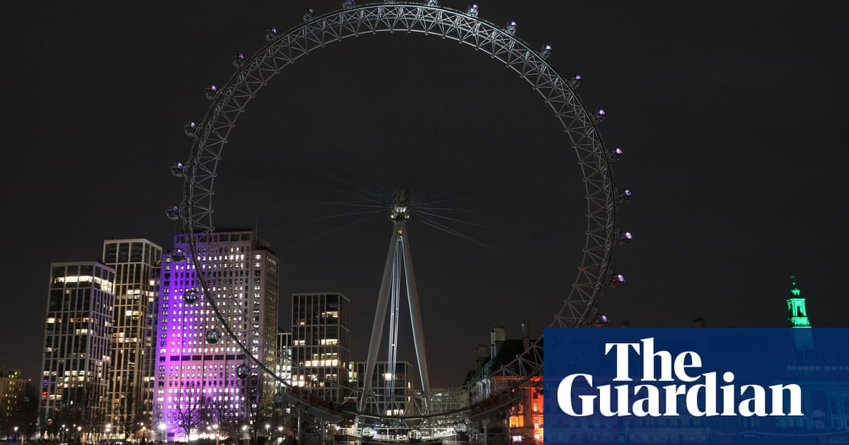 Global landmarks turn off the lights to mark annual Earth Hour