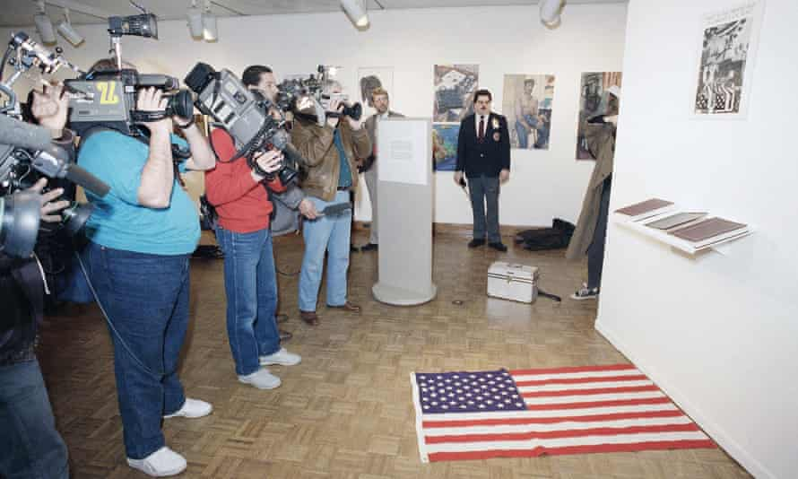 What is the Proper Way to Display a Flag? by Dread Scott, 1989.