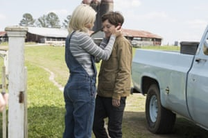 Elizabeth Banks and Jackson A Dunn in Brightburn.