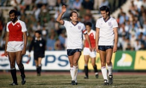 Ray Wilkins speaks to his Milan teammate Mark Hateley during the friendly international between Egypt and England in Cairo on 28 January 1986.