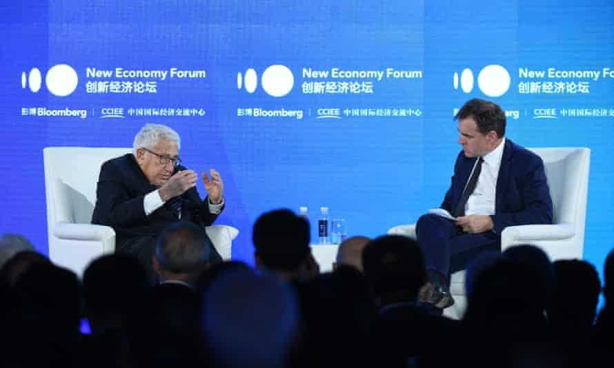 Kissinger on stage