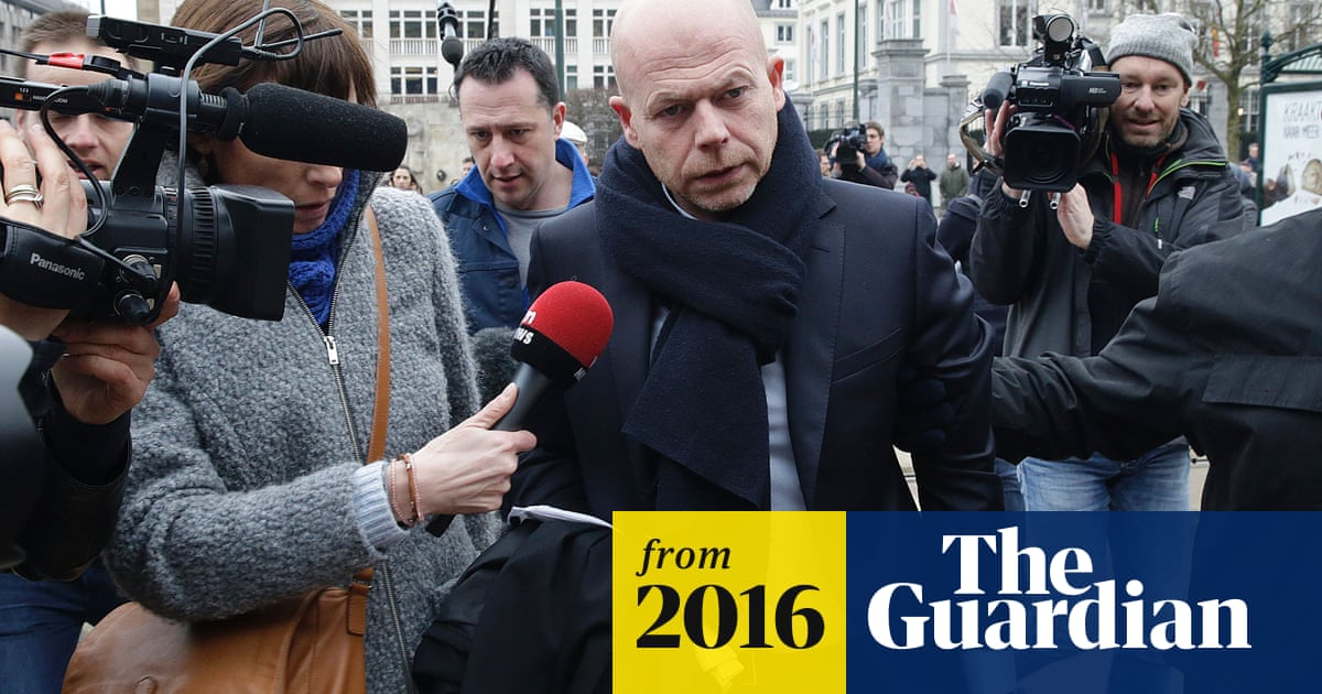 Paris attacks: Salah Abdeslam's lawyers 'give up his defence