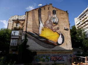 'Freedom' by Ukrainian artist Alex Maksiov, who specialises in 3D street paintings.