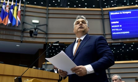 Victor Orbán tells MEPs that Brussels is supporting a financial speculator who had destroyed the lives of millions of Europeans.