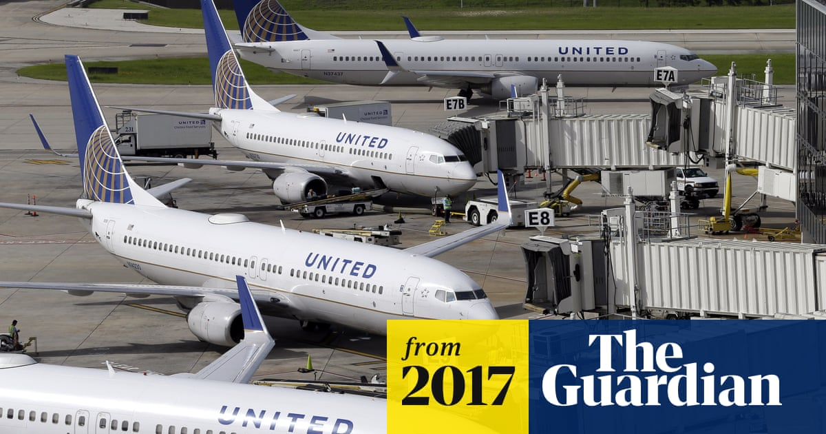 027f3c42363d7c United Airlines defends gate decision to bar girls wearing leggings from  flight