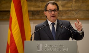 Acting Catalan president Artur Mas addresses journalists during a press conference at the Palau de la Generalitat (Catalan government headquarters) in Barcelona, Spain on 9 January, 2016.