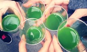 Juice Crawl through New York - like a pub crawl but with juice Green shots