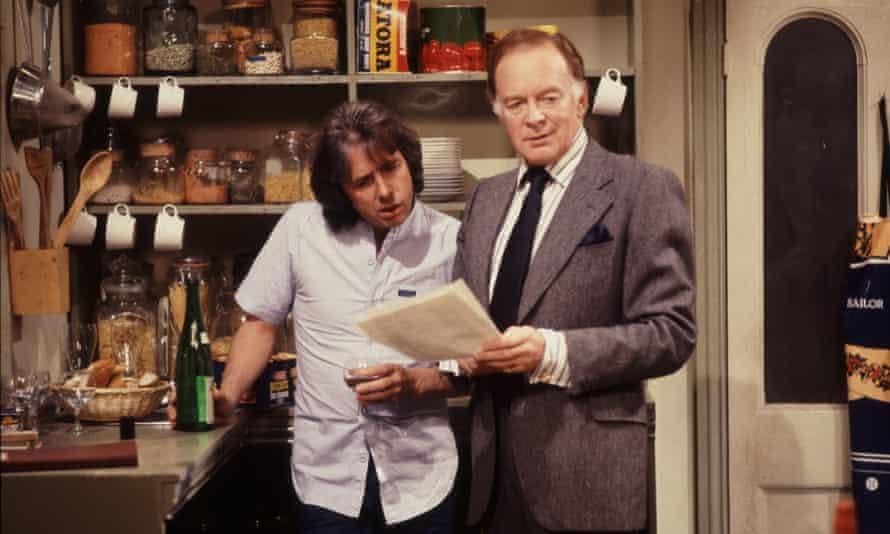 Tony Britton (R) alongside Richard O'Sullivan in the sitcom Robin's Nest.