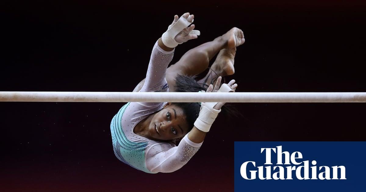 Simone Biles wins fourth all-around world title by record margin despite falls