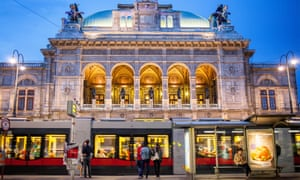 A tram available on a €1 a day ticket outside the Vienna State Opera.