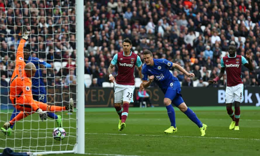 Robert Huth heads home Leicester's second goal.