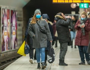 Passengers are seen on the platform of a subway station in Stockholm, Sweden, 10 February, 2021. The number of Sweden's confirmed coronavirus cases exceeded 600,000 on Wednesday, the country's Public Health Agency said.