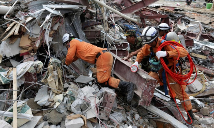 Five Chinese charged as toll in Cambodia building collapse rises to