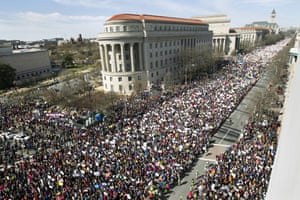 The crowd on Pennsylvania Avenue as seen from the Newseum