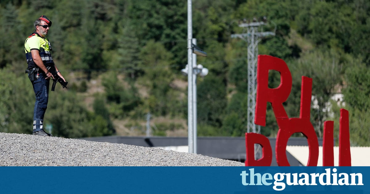 Spain: police focus on Ripoll imam who vanished before terror attacks