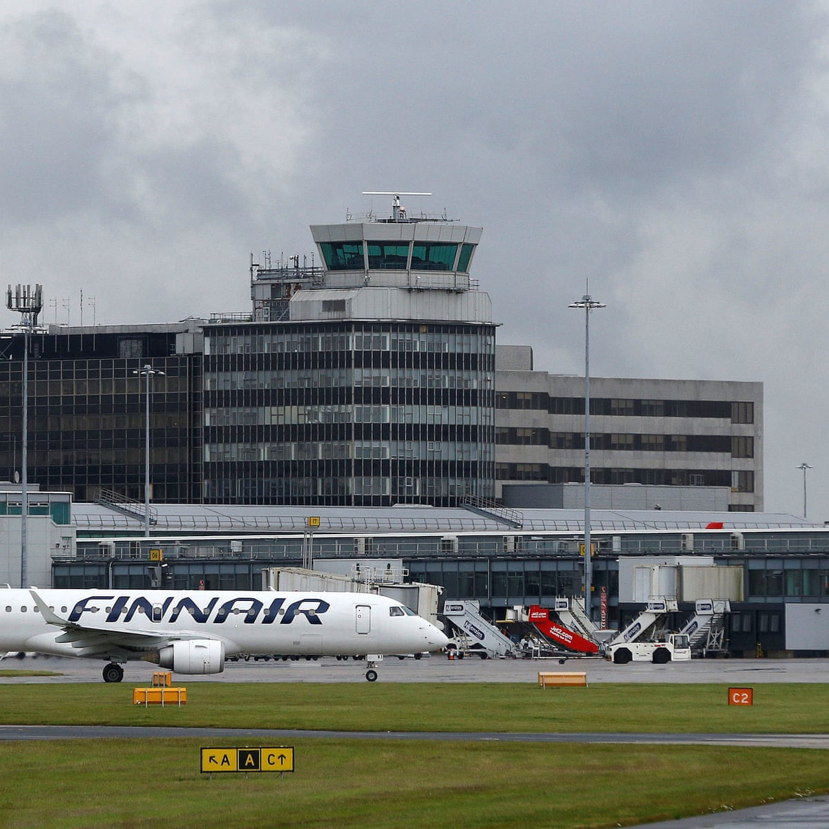 Manchester airport 'back to normal' after cancelled flights | Air transport