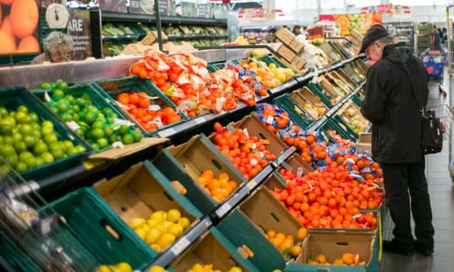 Tesco's first-quarter performance was boosted by a 2.7% increase in food sales.